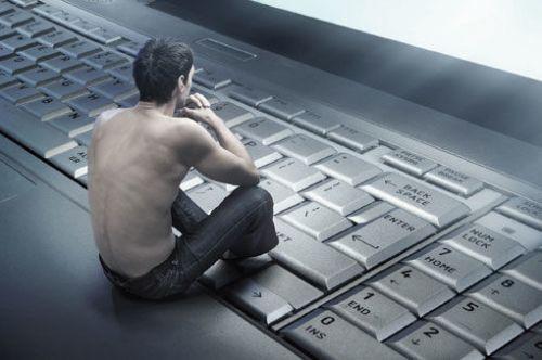Человек на клавиатуре