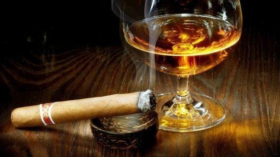 Сигарета и спиртное
