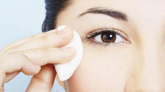 Притирание кожи вокруг глаз