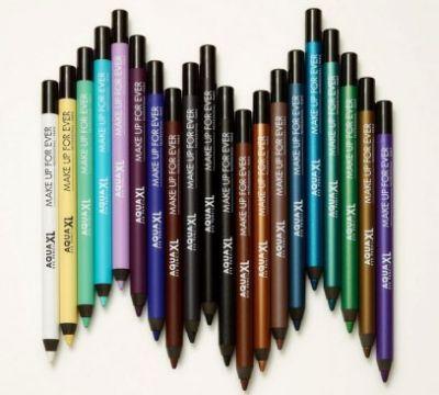 Карандаши для глаз разных цветов